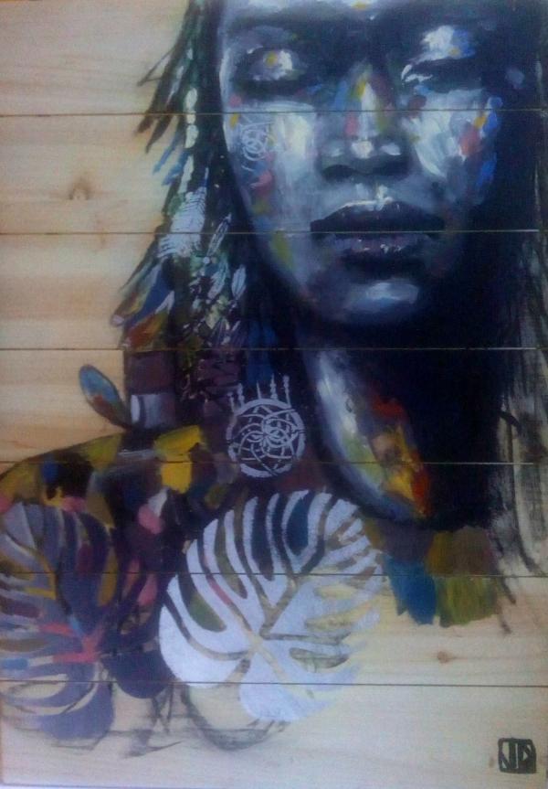 africano-amérindienne fond bleu (et pochoirs plumes-attrape-rêves)